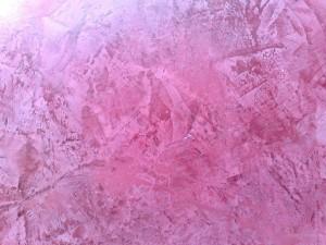 Отделка стен декоративными покрытиями сегодня очень популярна.