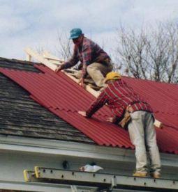 Чем покрыть крышу садового домика