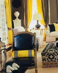 декор интерьера в черно-желтом цвете
