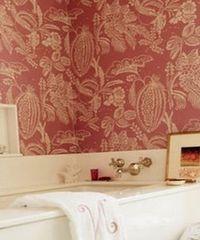 отделка стен в ванной обоями
