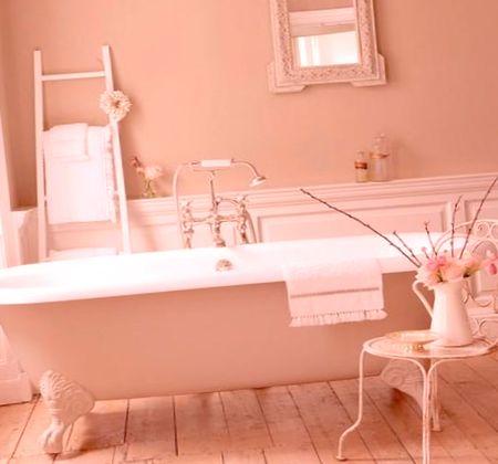 интерьер ванной в розовом цвете