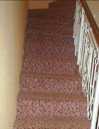 выбор ковролина для лестницы