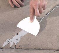 как заделать трещины на штукатурке